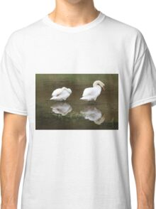 Wash & Brush up. Classic T-Shirt