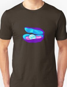Sleepy Pearl Unisex T-Shirt