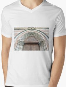 Medieval church entrance with arches in Foligno Mens V-Neck T-Shirt