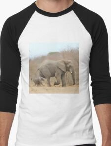 Elephant Love - Keeping up with Dad - African Wildlife Men's Baseball ¾ T-Shirt