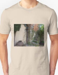 Old staircase & courtyard Unisex T-Shirt