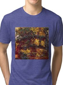 Claude Monet - The Japanese Footbridge, Giverny ( 1922)  Tri-blend T-Shirt