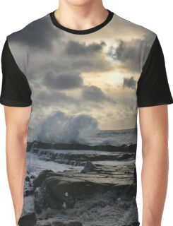 The labouring of waves - photograph Graphic T-Shirt