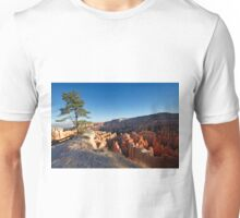 Lone tree overlook at Bryce Canyon National Park Unisex T-Shirt