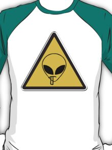 Smoking Alien Alert T-Shirt