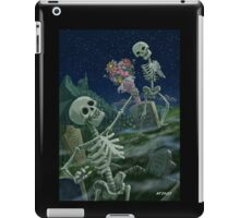 Romantic Valentine Skeletons in Graveyard iPad Case/Skin