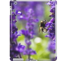 Bumble been in lavender iPad Case/Skin