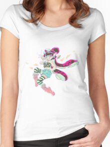 Fashionable Callie Women's Fitted Scoop T-Shirt