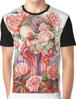 Beauty hurts Graphic T-Shirt