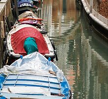 gondola in Venice by spetenfia