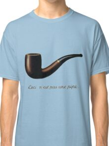 Ceci n'est pas une pipe (It is not a pipe) Classic T-Shirt