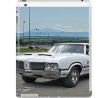 1970 Oldsmobile Cutlass 'Indy Pace Car' iPad Case/Skin
