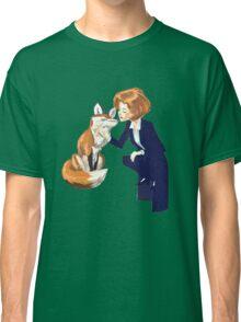 trust of a fox - x files Classic T-Shirt