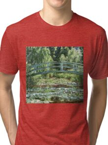 Claude Monet - The Japanese Footbridge and the Water Lily Pool, Giverny (1899)  Tri-blend T-Shirt