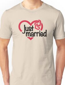 Just married heart Unisex T-Shirt