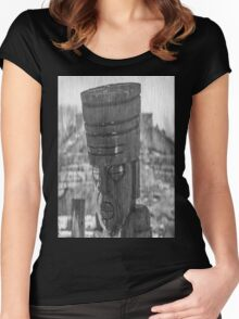 The Greeter Women's Fitted Scoop T-Shirt