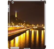 Eiffel Tower overview - panorama iPad Case/Skin