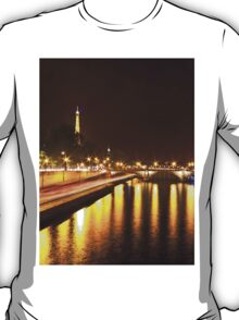 Eiffel Tower overview - panorama T-Shirt
