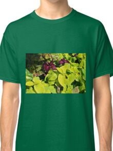 Colorful green leaves pattern Classic T-Shirt