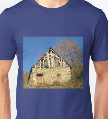 Barn in the countryside Unisex T-Shirt