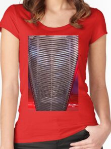 Car Gill Women's Fitted Scoop T-Shirt