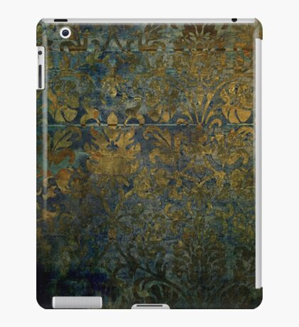 Grunge,rustic,worn,vintage,damask,pattern,floral,gold,wall paper,trendy,modern,victorian,gothic iPad Case/Skin