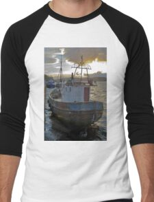 fishing boat Men's Baseball ¾ T-Shirt