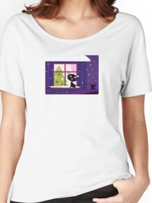 Cat looking through window, christmas tree Women's Relaxed Fit T-Shirt