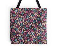Beautiful seamless retro pattern. Little flower pretty background.  Tote Bag