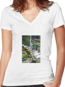 Savannah, Georgia Porch Steps Women's Fitted V-Neck T-Shirt