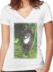 Kitten in the Woods Women's Fitted V-Neck T-Shirt