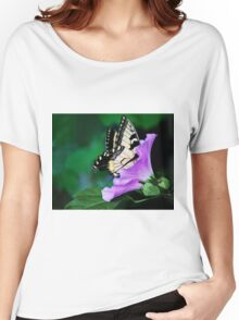 Knee-deep In Nectar... Women's Relaxed Fit T-Shirt
