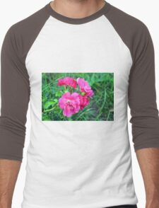 Beautiful gentle pink roses background Men's Baseball ¾ T-Shirt