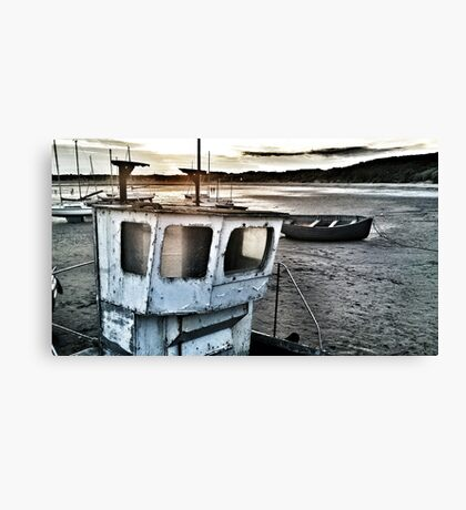 beadnell harbour Canvas Print