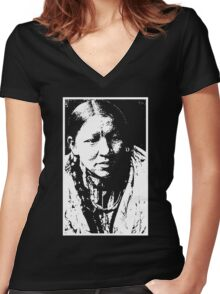 CHEYENNE WOMAN Women's Fitted V-Neck T-Shirt