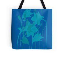 Lilien in Blau Tote Bag