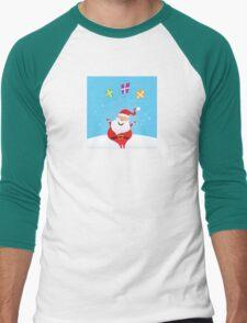 Cute christmas Santa on snow in red costume Men's Baseball ¾ T-Shirt