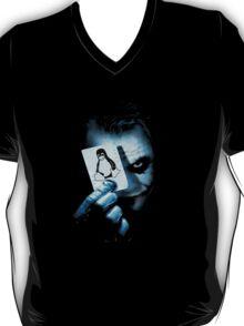 The joker holding linux penguin card T-Shirt