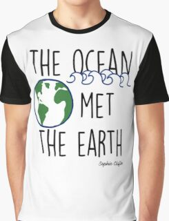 The Ocean Met the Earth Graphic T-Shirt