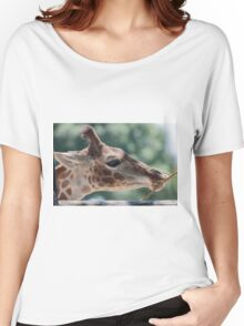 giraffe at the zoo Women's Relaxed Fit T-Shirt