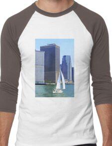 Sail Boat Sailing past the Skyscrapers Men's Baseball ¾ T-Shirt