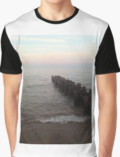 Looking for the Horizon Graphic T-Shirt