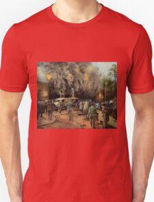 News Reporter - Metrotone News 1928 Unisex T-Shirt