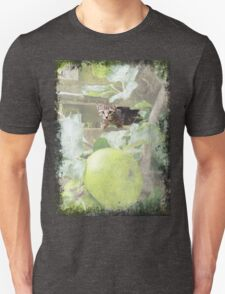 Tommy kitten in apple tree Unisex T-Shirt