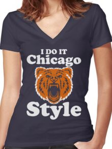 I do it Chicago Style Women's Fitted V-Neck T-Shirt