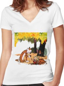 Calvin and Hobbes Treasure Hunter Women's Fitted V-Neck T-Shirt