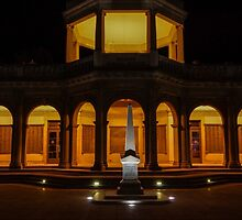 Night time at the Soldiers Memorial Institute, Bendigo by Steven Jodoin