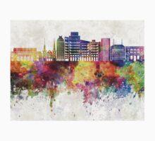 Fresno skyline in watercolor background Kids Tee