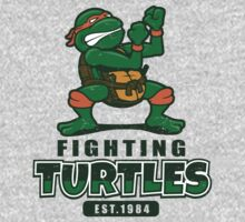 Fighting Turtles - Michelangelo T-Shirt