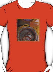 eye as a lens - steampunk T-Shirt
